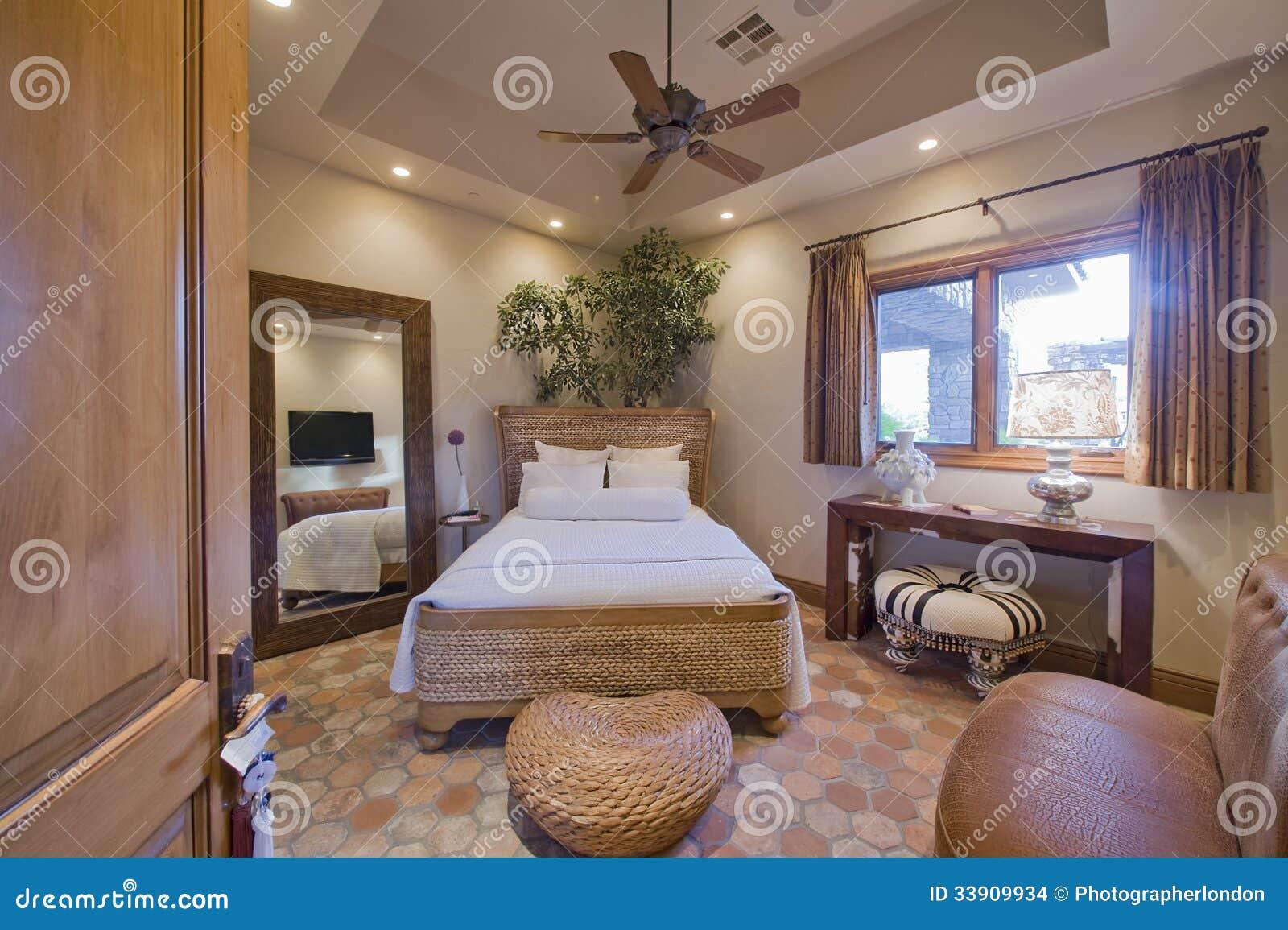 Modernt sovrum med rotting arkivbilder   bild: 33909934