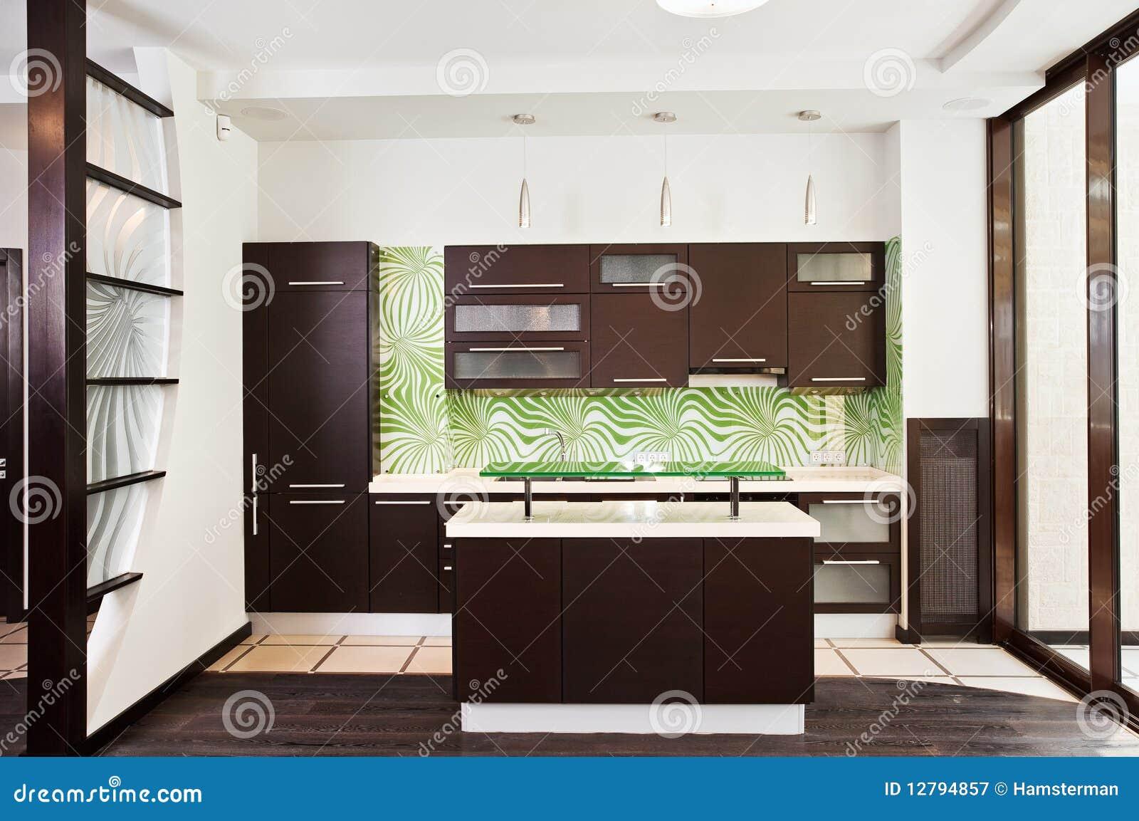 Modernt trä för mörkt kök för golv inre royaltyfri fotografi ...