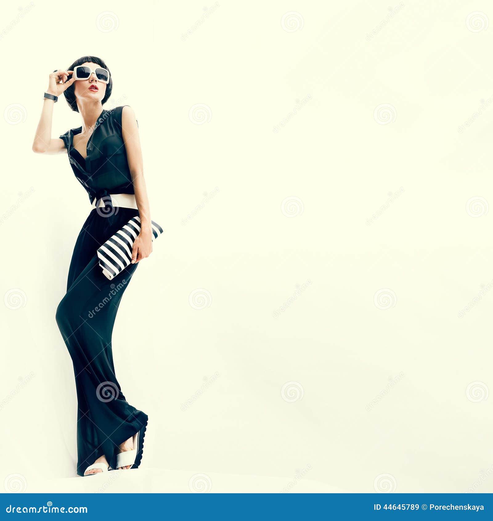 Modieus meisje Rio de Janeiro-stijl
