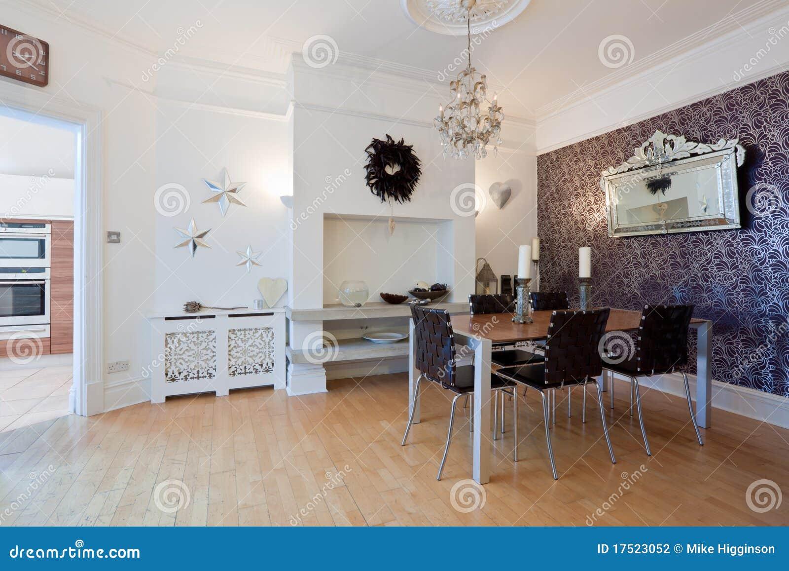Modieuze moderne eetkamer stock fotografie afbeelding 17523052 - Moderne eetkamerstoel eetkamer ...
