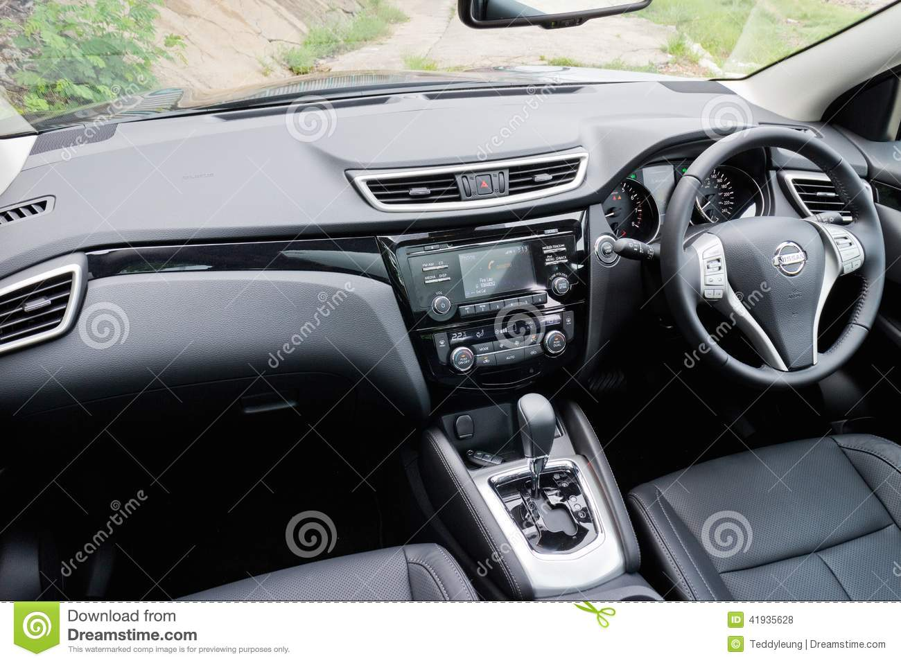 Mod le de l 39 int rieur 2014 de nissan qashqai photo stock for Interieur qashqai 2014