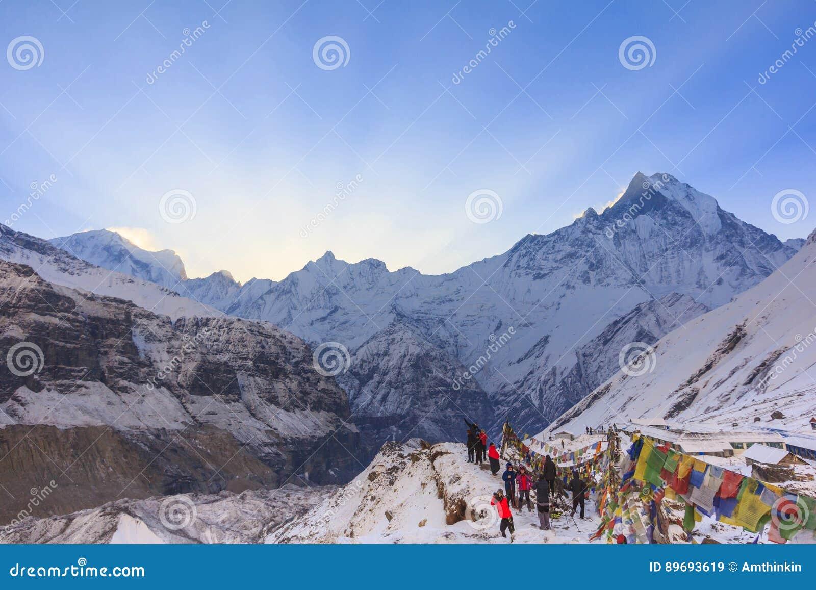 Modlitw flaga i Annapurna śnieżna góra himalaje, Nepal