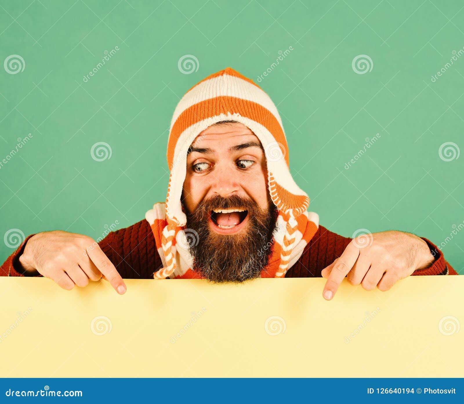 Modo di caduta e concetto di stile di autunno Uomo con la barba