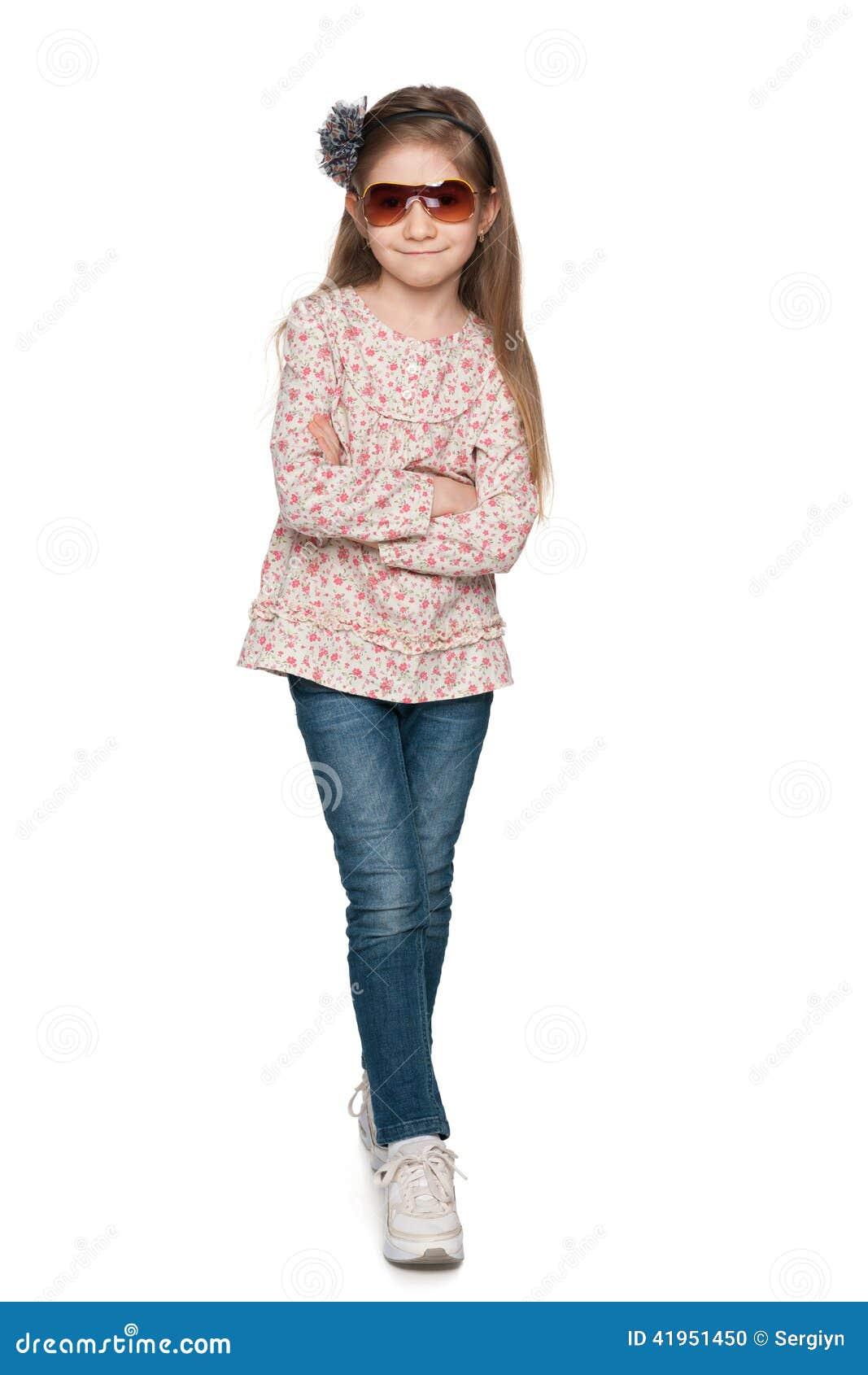 Mody ładna mała dziewczynka