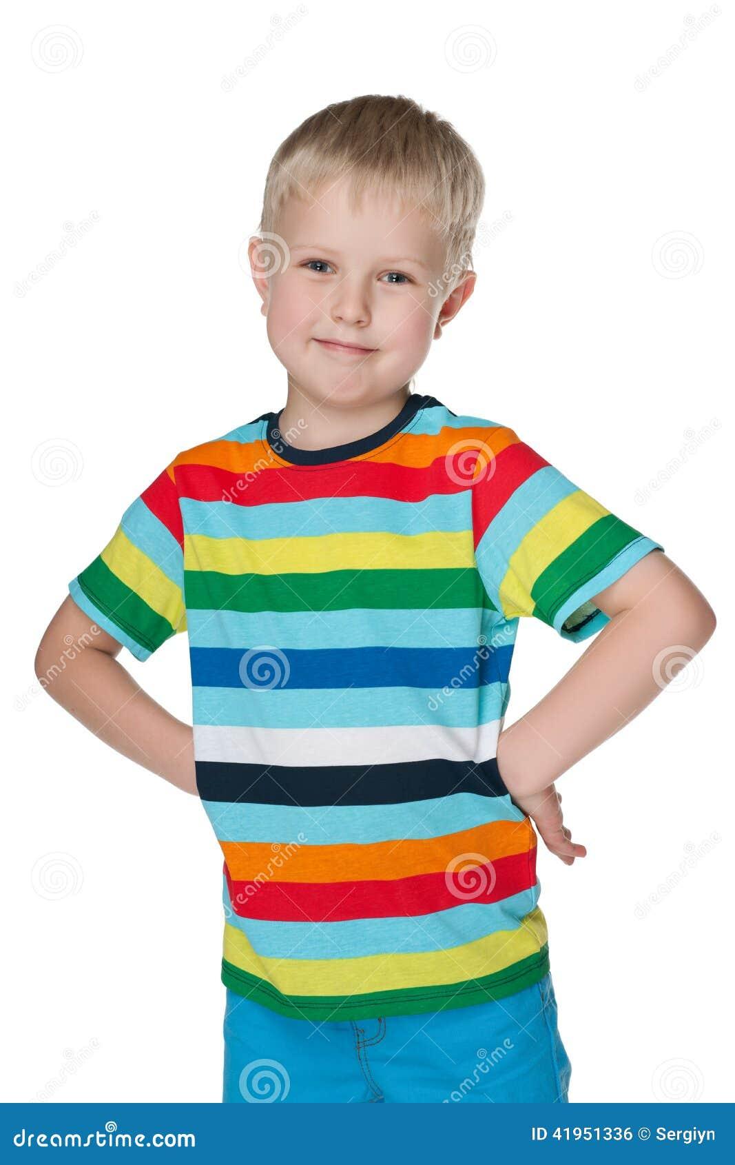 Mody śliczna chłopiec