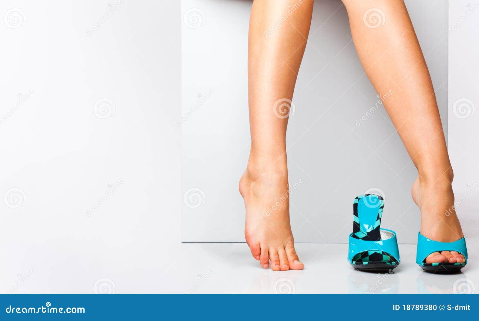 Mody kobieta iść na piechotę buty