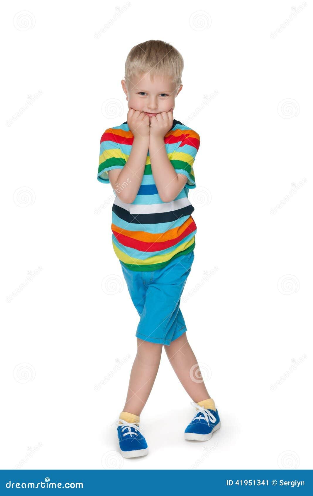 Mody nieśmiała chłopiec