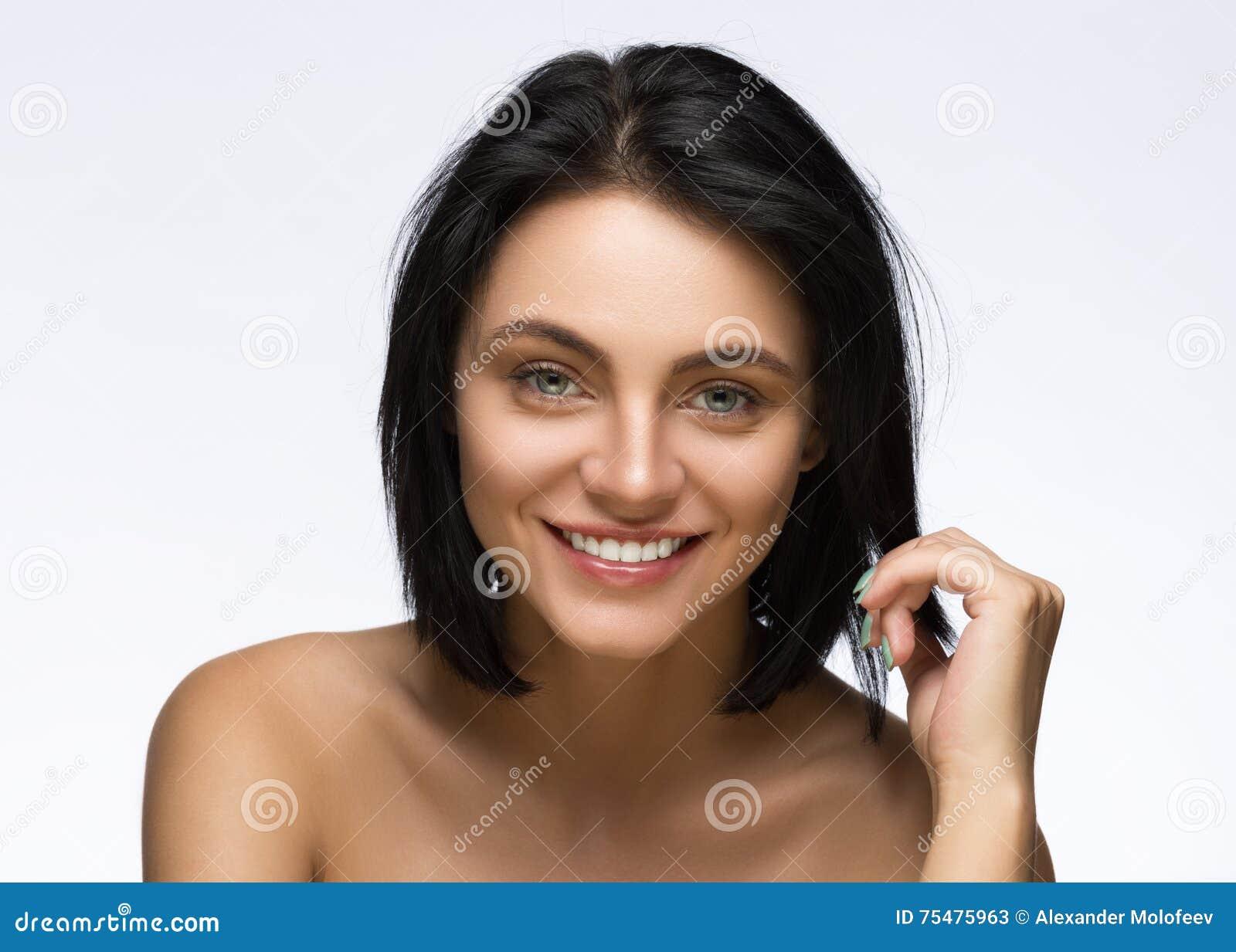 Mody ostrzyżenie fryzury Elegancki kraniec Nastoletnia Dziewczyna z Krótkim Włosianym stylem Piękno nastolatka portret