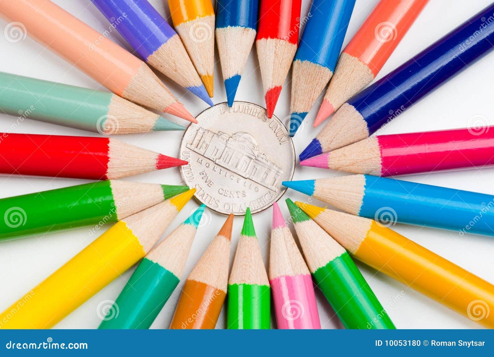 Moeda e lápis de cinco centavos