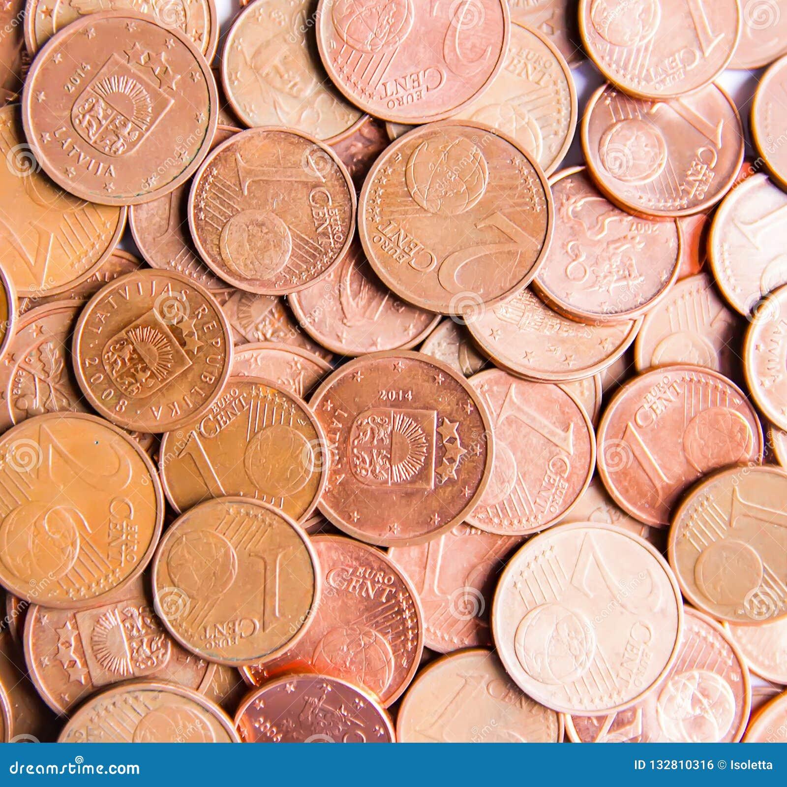 Moedas do Euro da denominação diferente liberadas por Letónia
