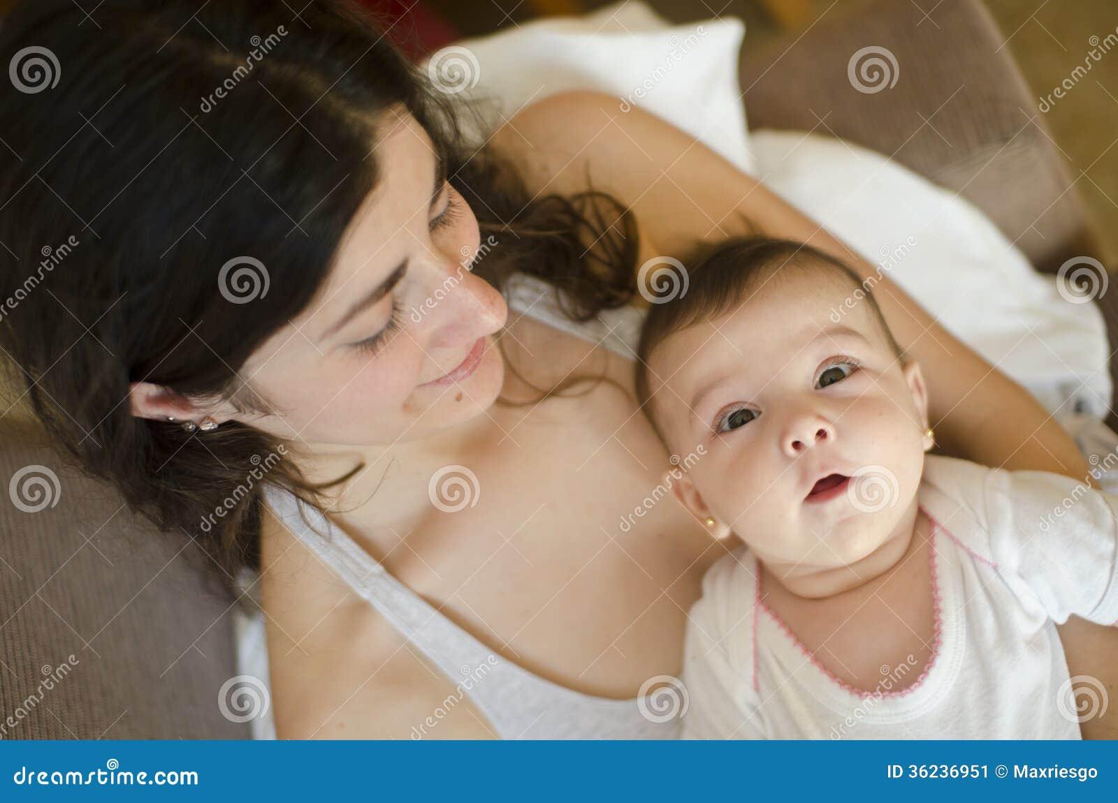 Moeder en weinig baby