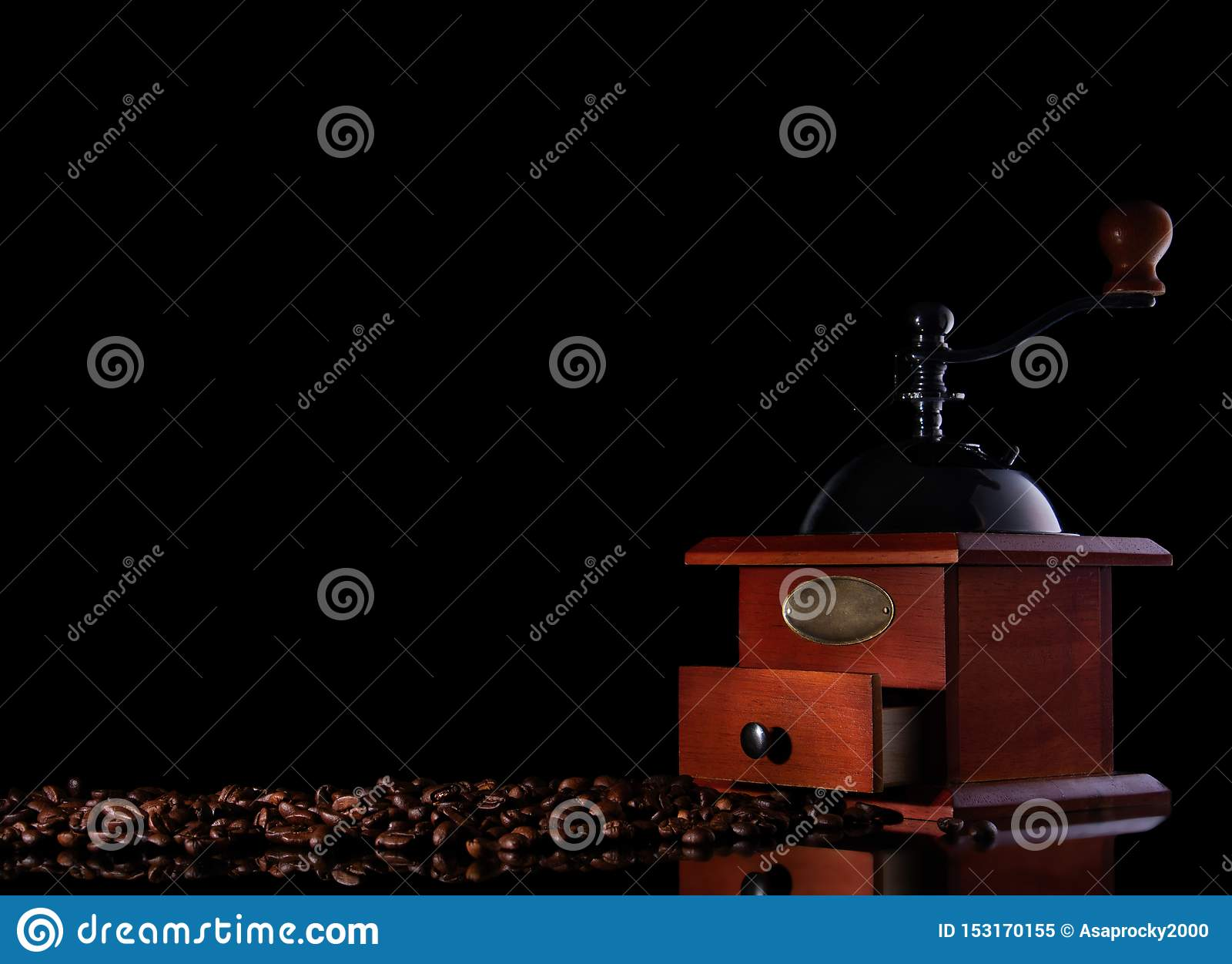 Moedor de café manual do vintage da vista superior