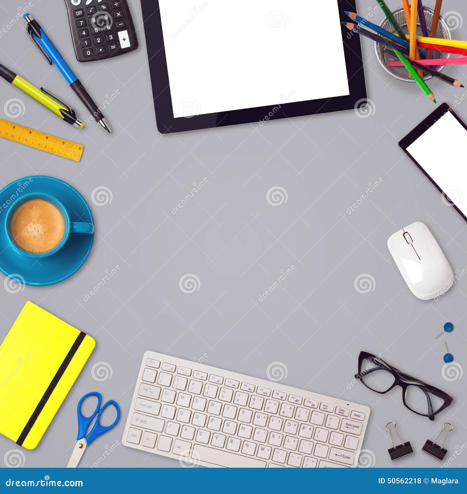 Mofa del escritorio de oficina encima del fondo de la for Articulos de oficina