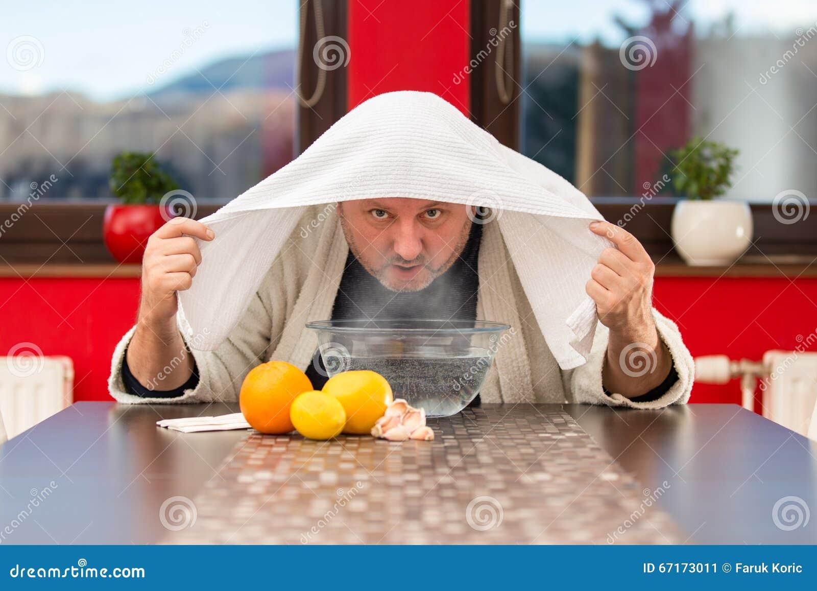 Mogen man med förkylningar och influensa Inandning av örter
