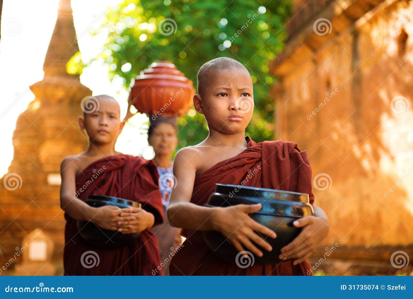 Moines bouddhistes Myanmar