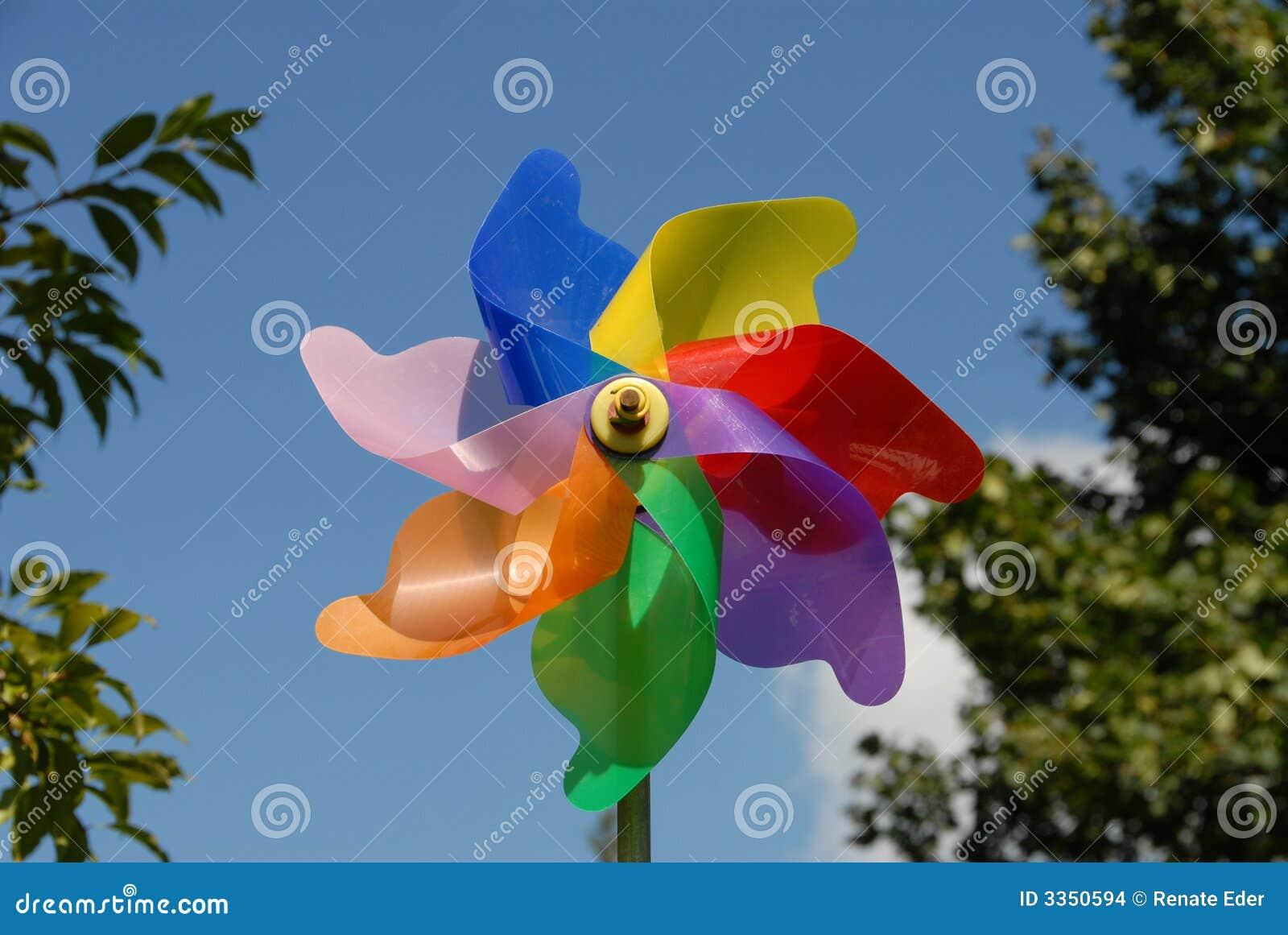 Moinho de vento colorido