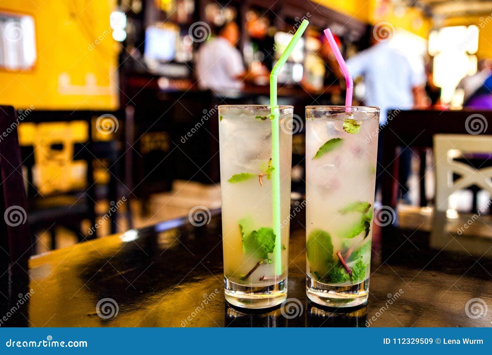 Mojito-Cocktail in einer Bar in Kuba/in Havana
