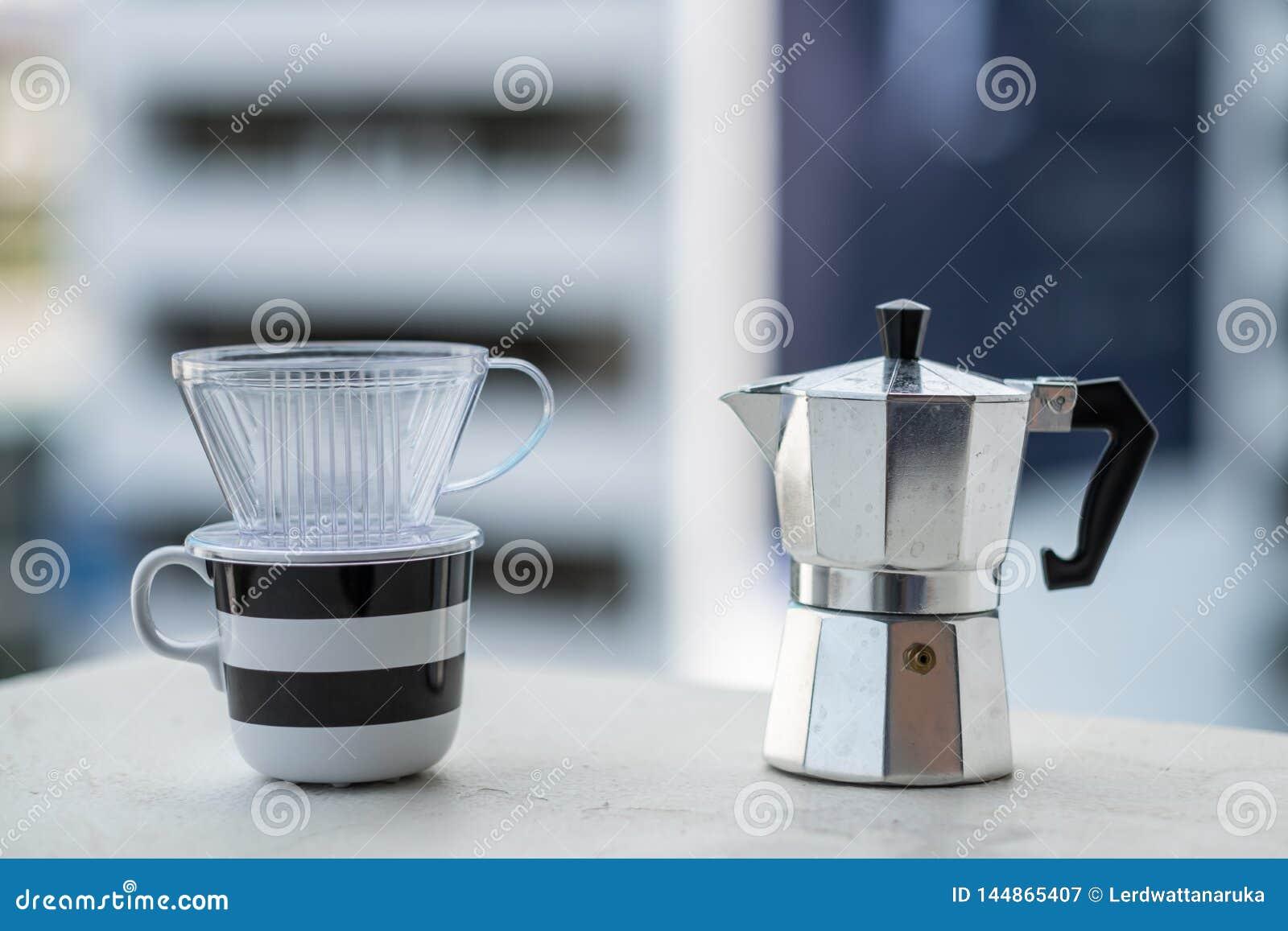 Mokapot et tasse de café de dispositif d écoulement