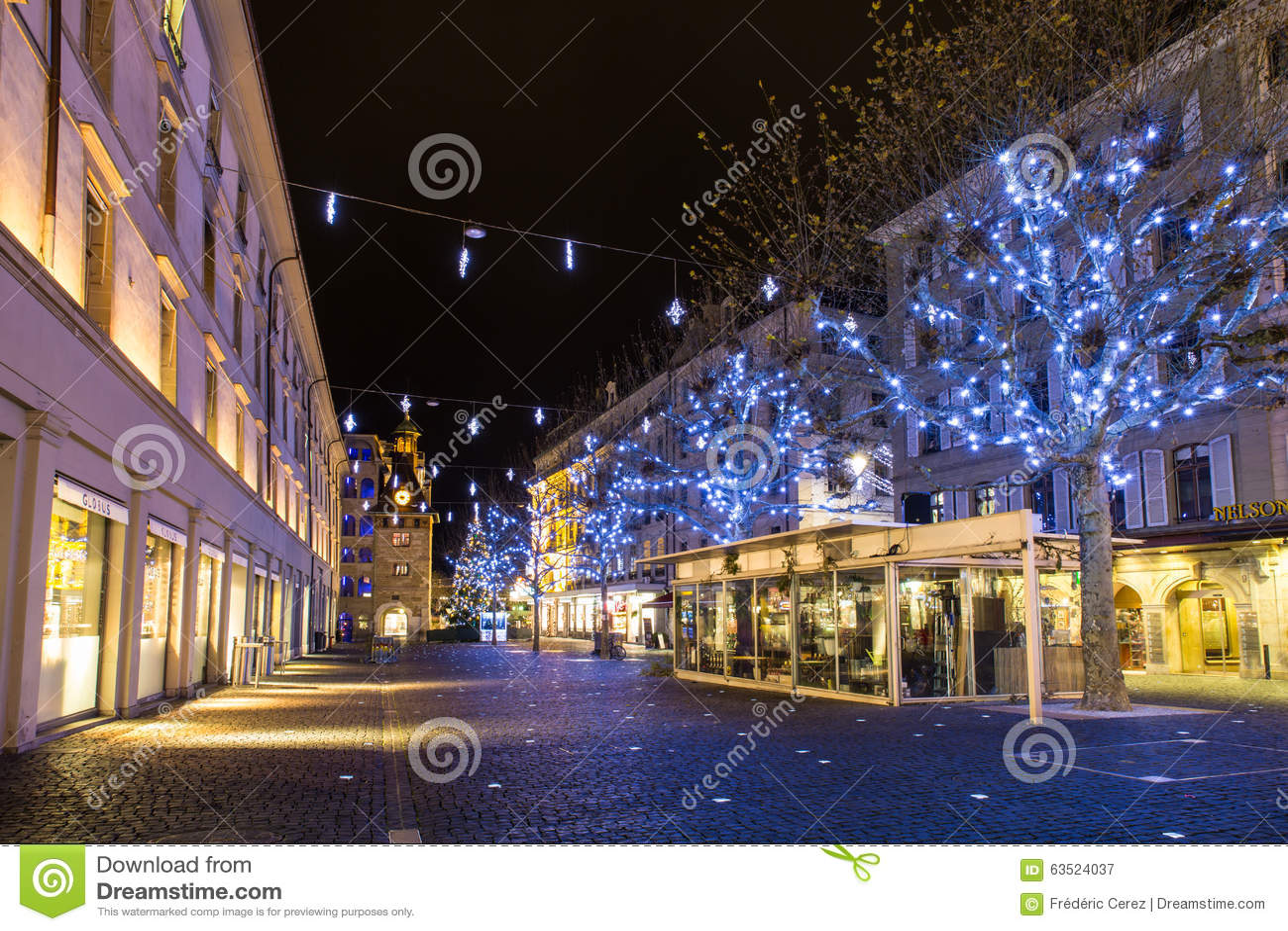 #A97C22 Molard Square At Night During Christmas Season Editorial  5545 decorations noel geneve 1300x957 px @ aertt.com