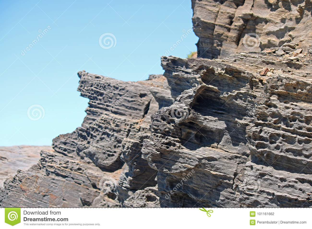 POROUS ROCK IN LAYERS