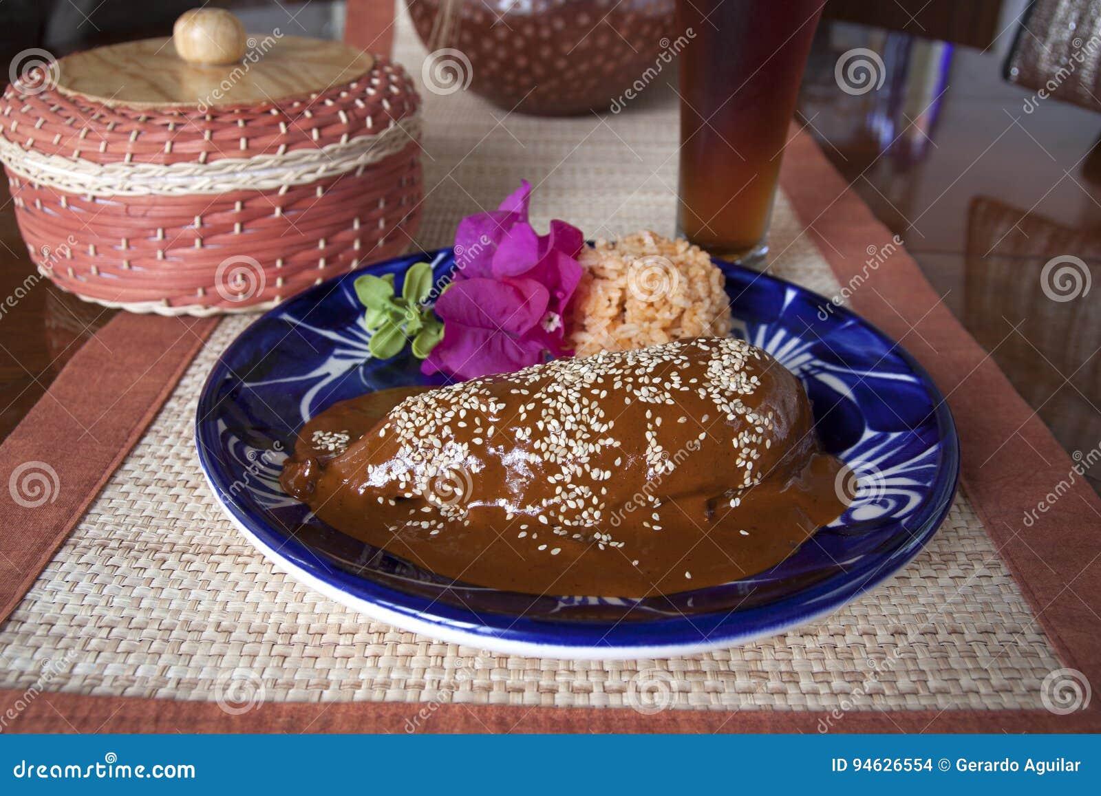 Mole, mexikanischer Teller von Puebla