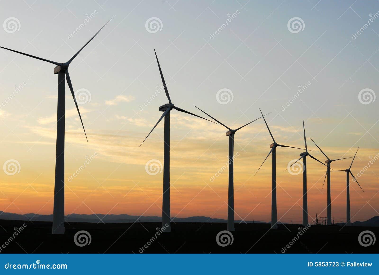 Molinoes de viento en la oscuridad