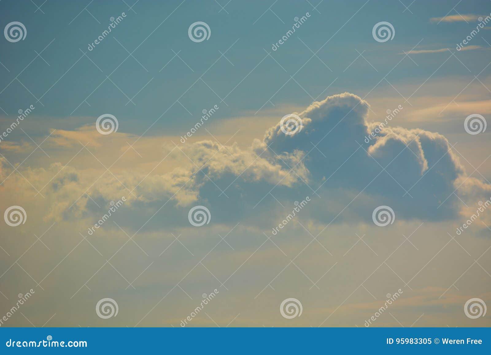 Moln i molnen