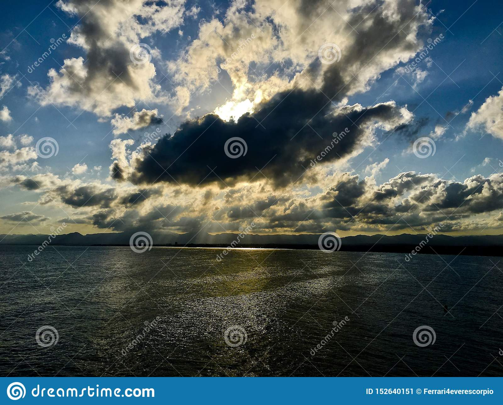 Molnig solnedgång på Salou