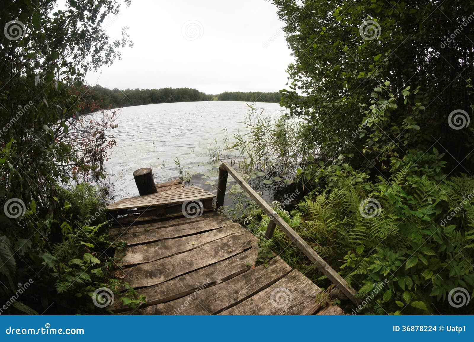 Download Molo di legno fotografia stock. Immagine di tranquil - 36878224