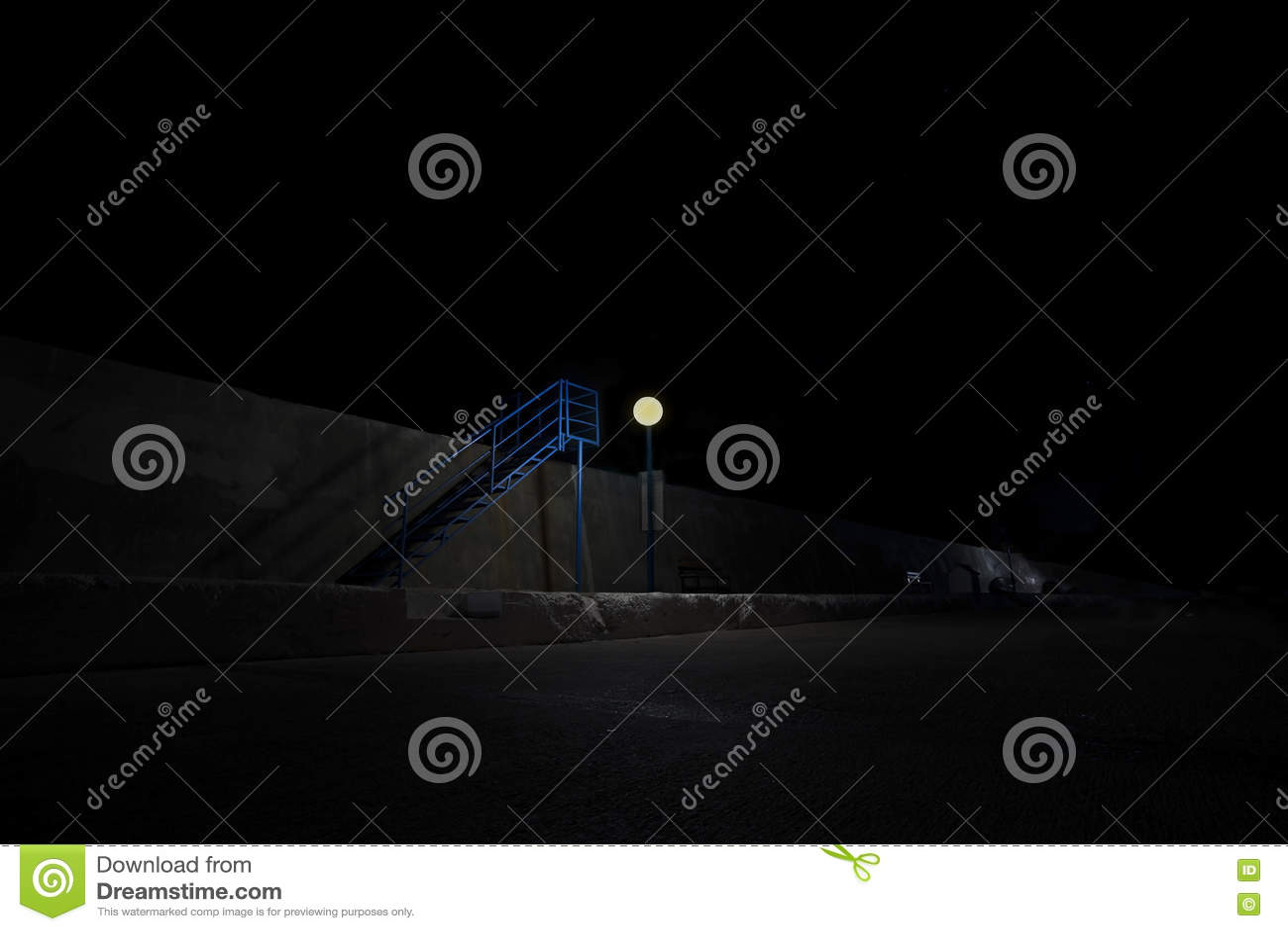 Molo przy nocą i krokami Kurort Kasa, Turcja