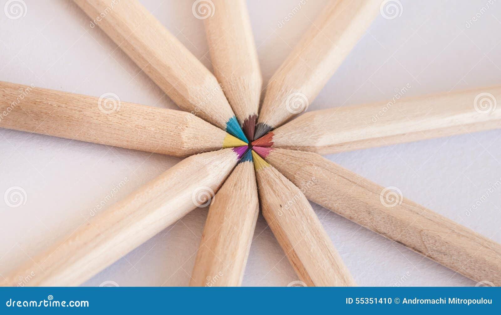 Molte matite colorate differenti Macro del primo piano