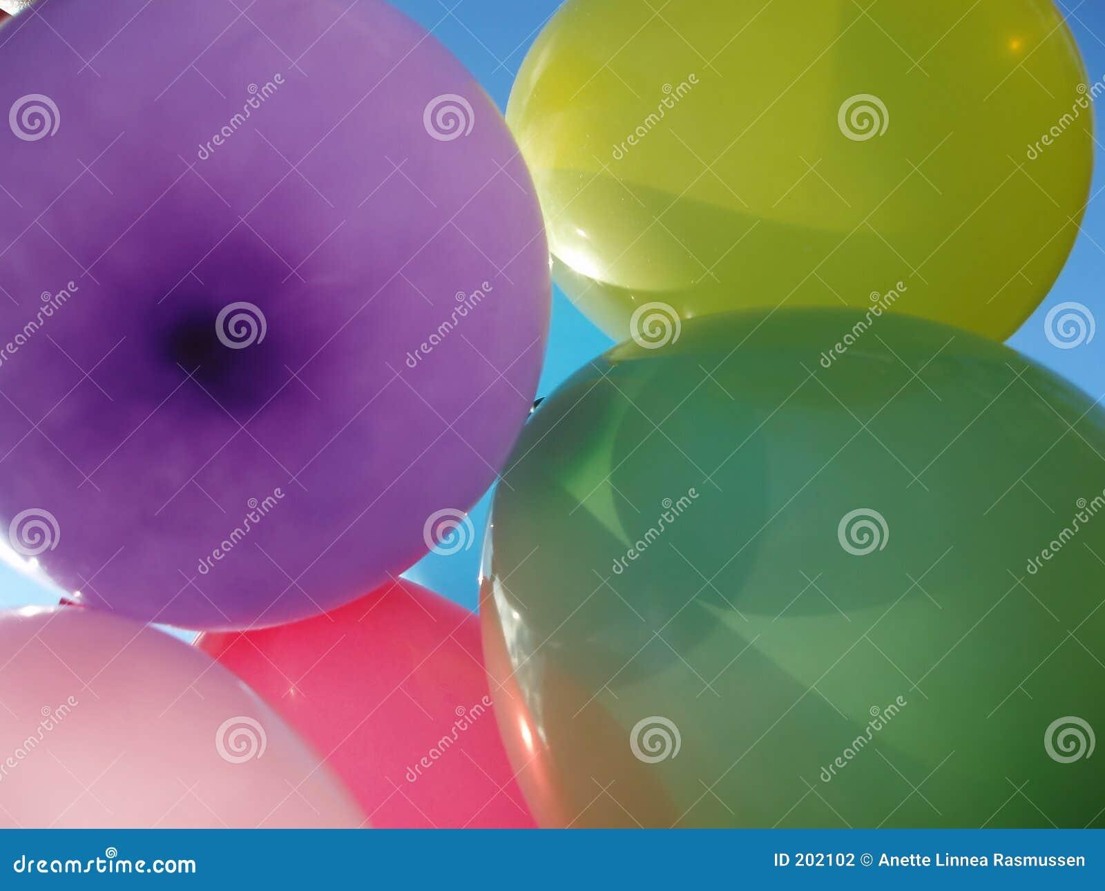 Molti aerostati colorati