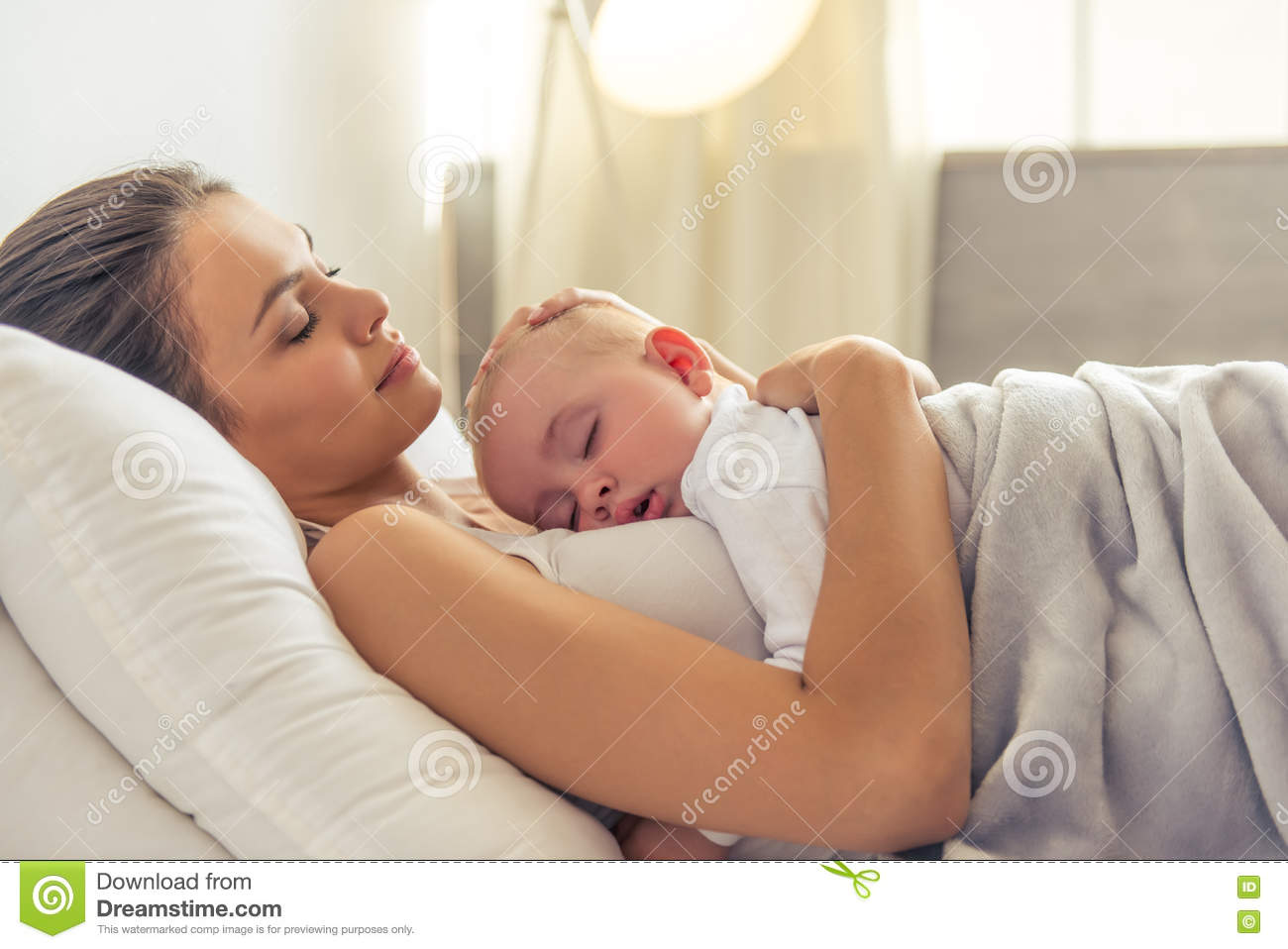 Loving Family Parents Bedroom Cute Baby And Mom Pictures Www Pixshark Com Images