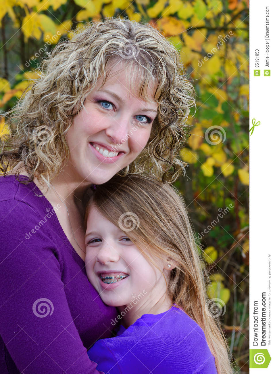 mom-daughter-close-up-portrait-beautiful-young-mother-her-pre-teen ...