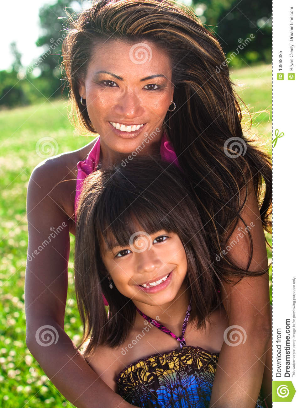Mom Posing With Daughter Motherless Rainpow Filmvz Portal