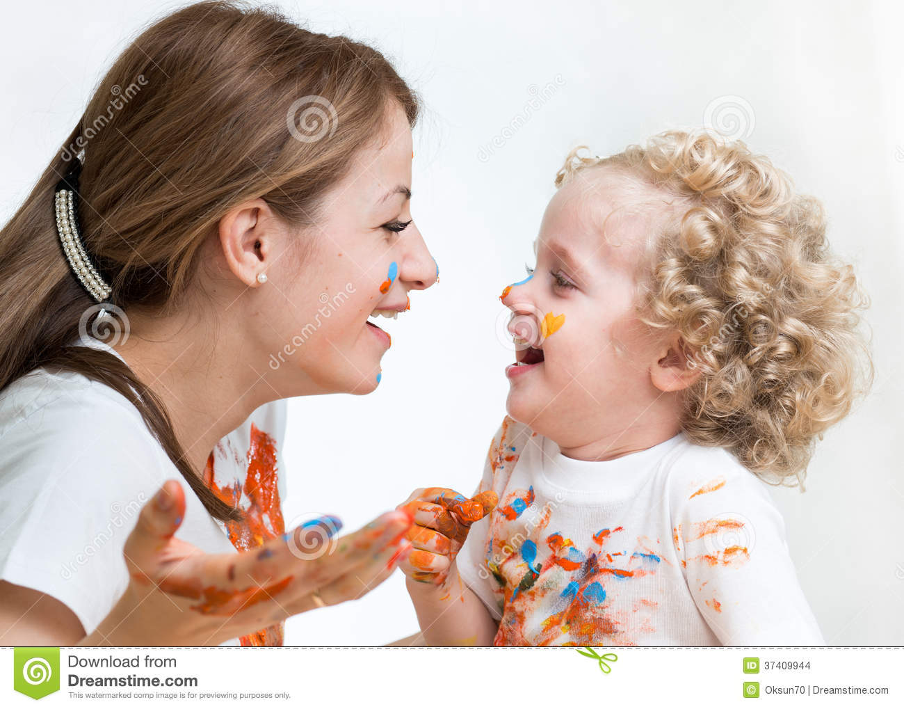 Mom and kid girl paint