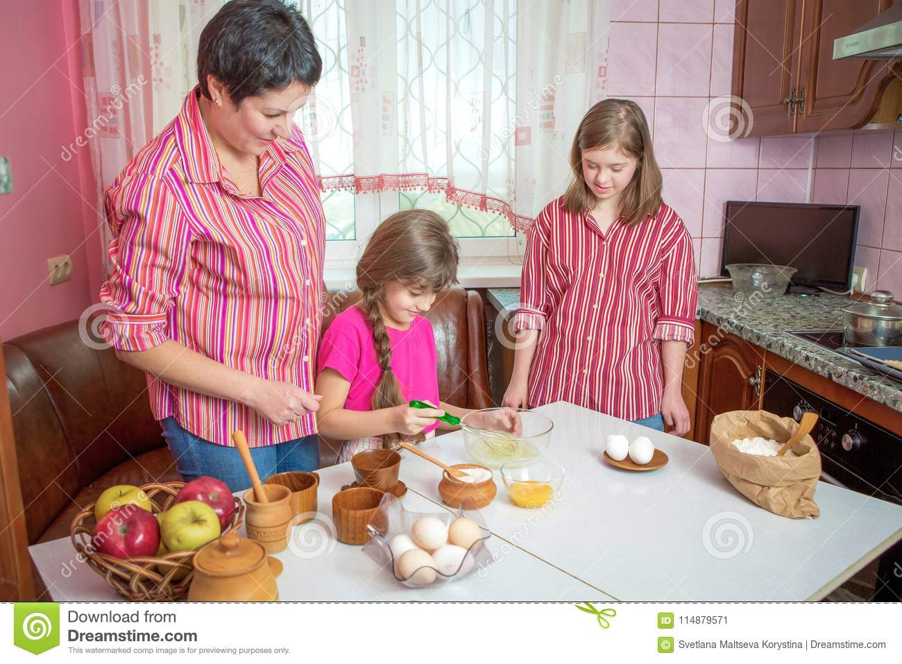 Mom Teaching Her Two Daughters Cooking On The Kitchen Stock Image Image Of Feelings Joyful 114879571