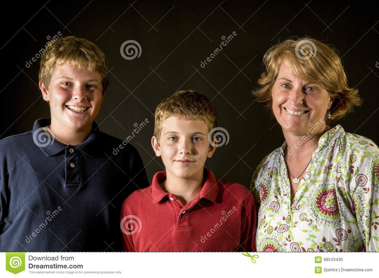 Mom Teen Boys Happy Single Parent Family Stock Images - Download 2 Royalty  Free Photos