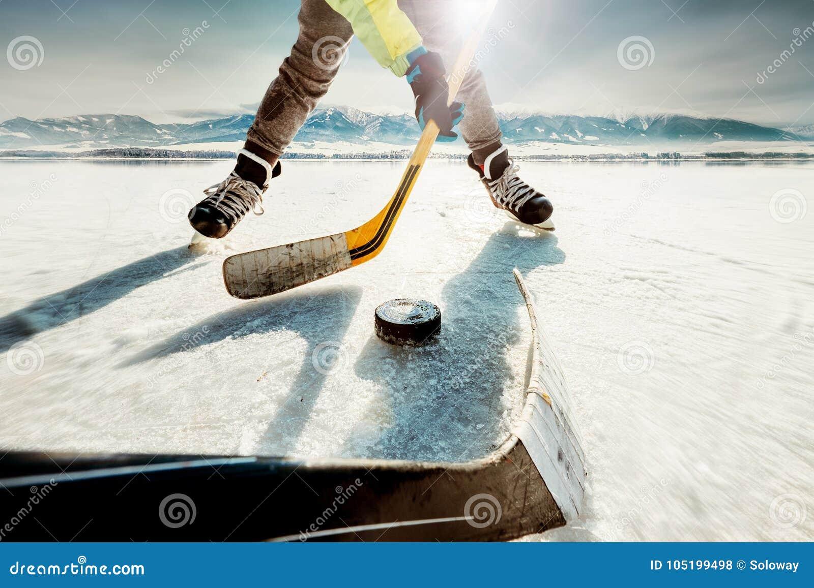 Momento del gioco di hockey su ghiaccio
