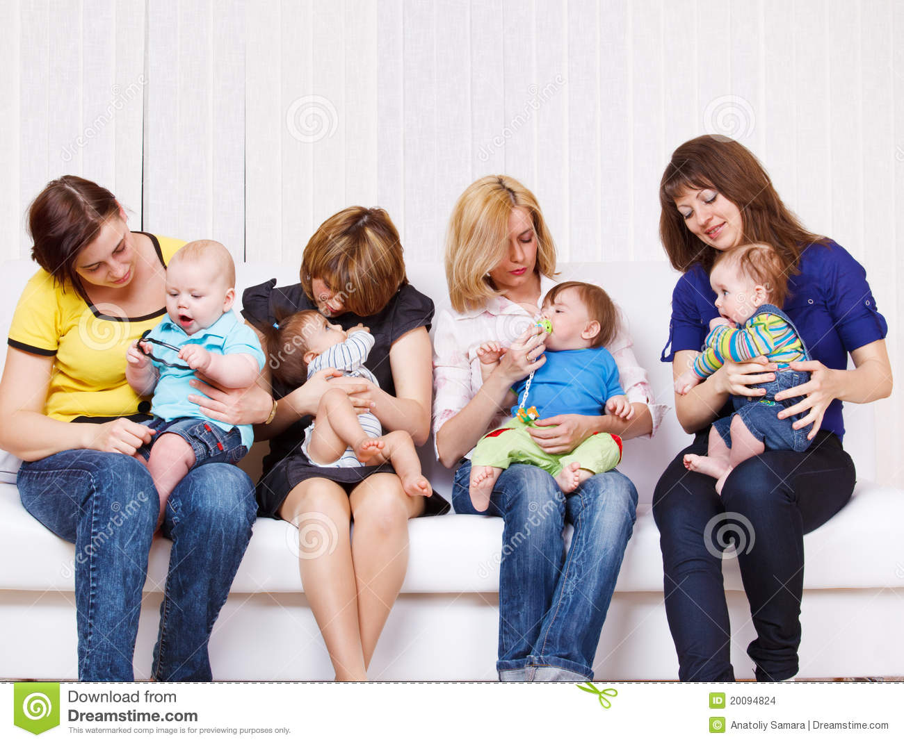 4 moms takes care of 1 boy 10