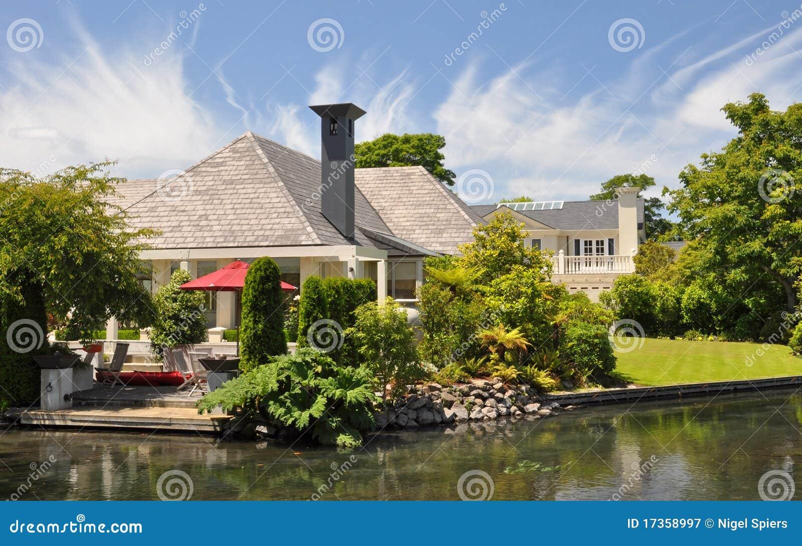 Mona vale mooie huis tuin christchurch royalty vrije stock fotografie afbeelding 17358997 - Mooie huis foto ...