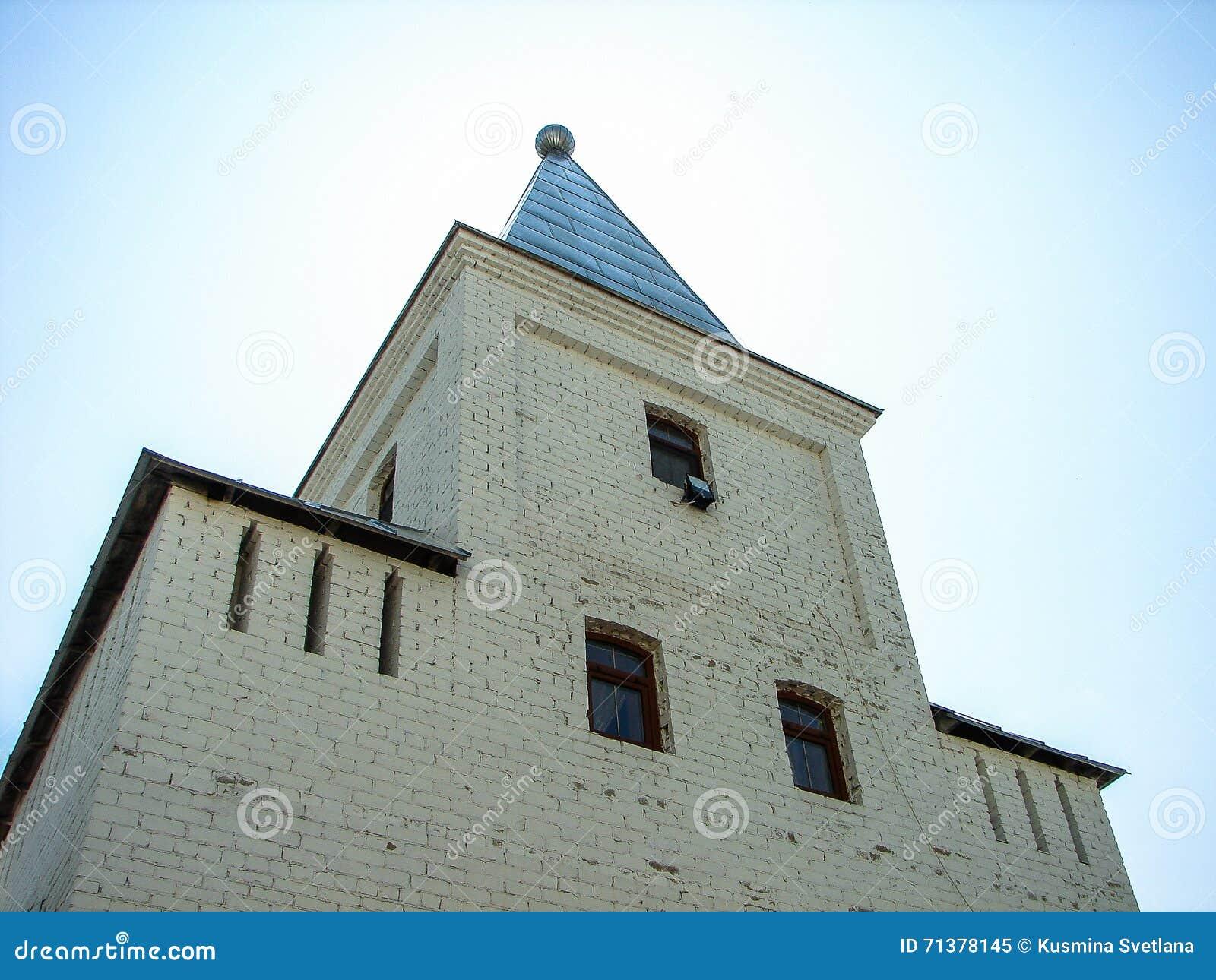 Monastère de St George dans la ville russe de la région de Meshchovsk Kaluga