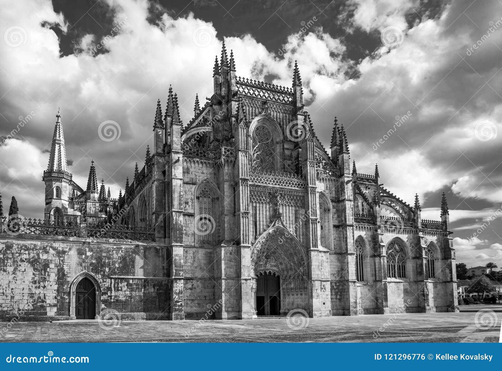 Entrée Noir Et Blanc monastère médiéval noir et blanc portugal de batalha d