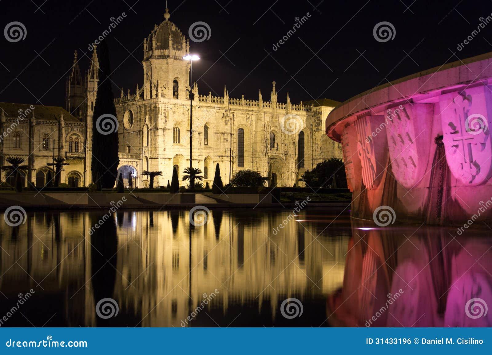 Monasteiro DOS Jeronimos på natten.  Lissabon. Portugal