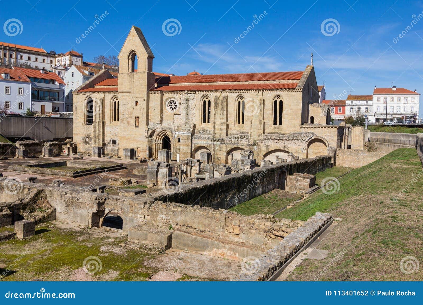 Monasterio De Santa Clara Velha En Coímbra Portugal Foto De Archivo Imagen De Coímbra Monasterio 113401652