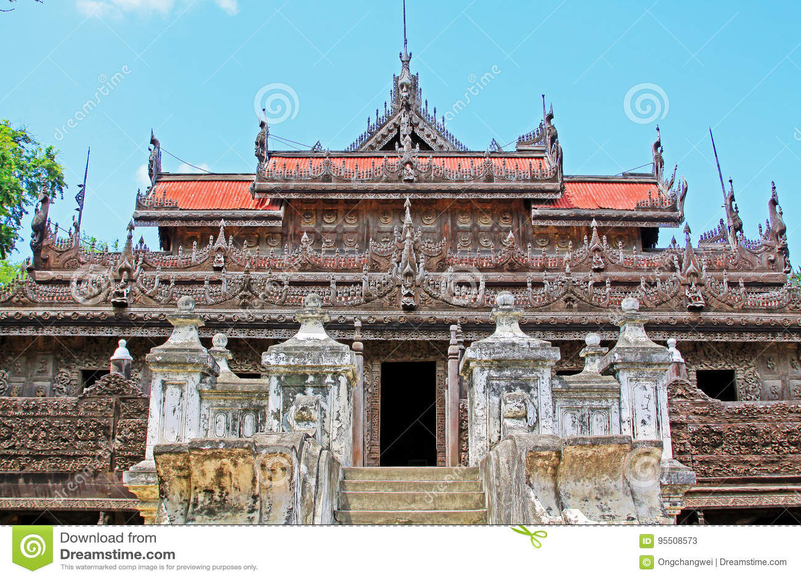 Monasterio de Shwenandaw, Mandalay, Myanmar