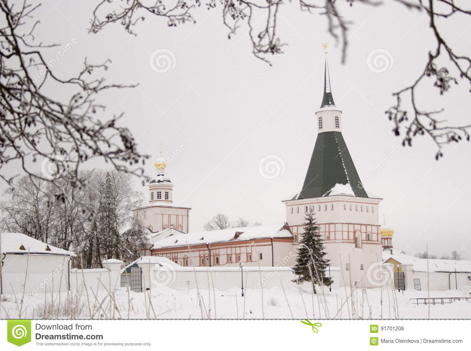 Monasterio de Valday en invierno