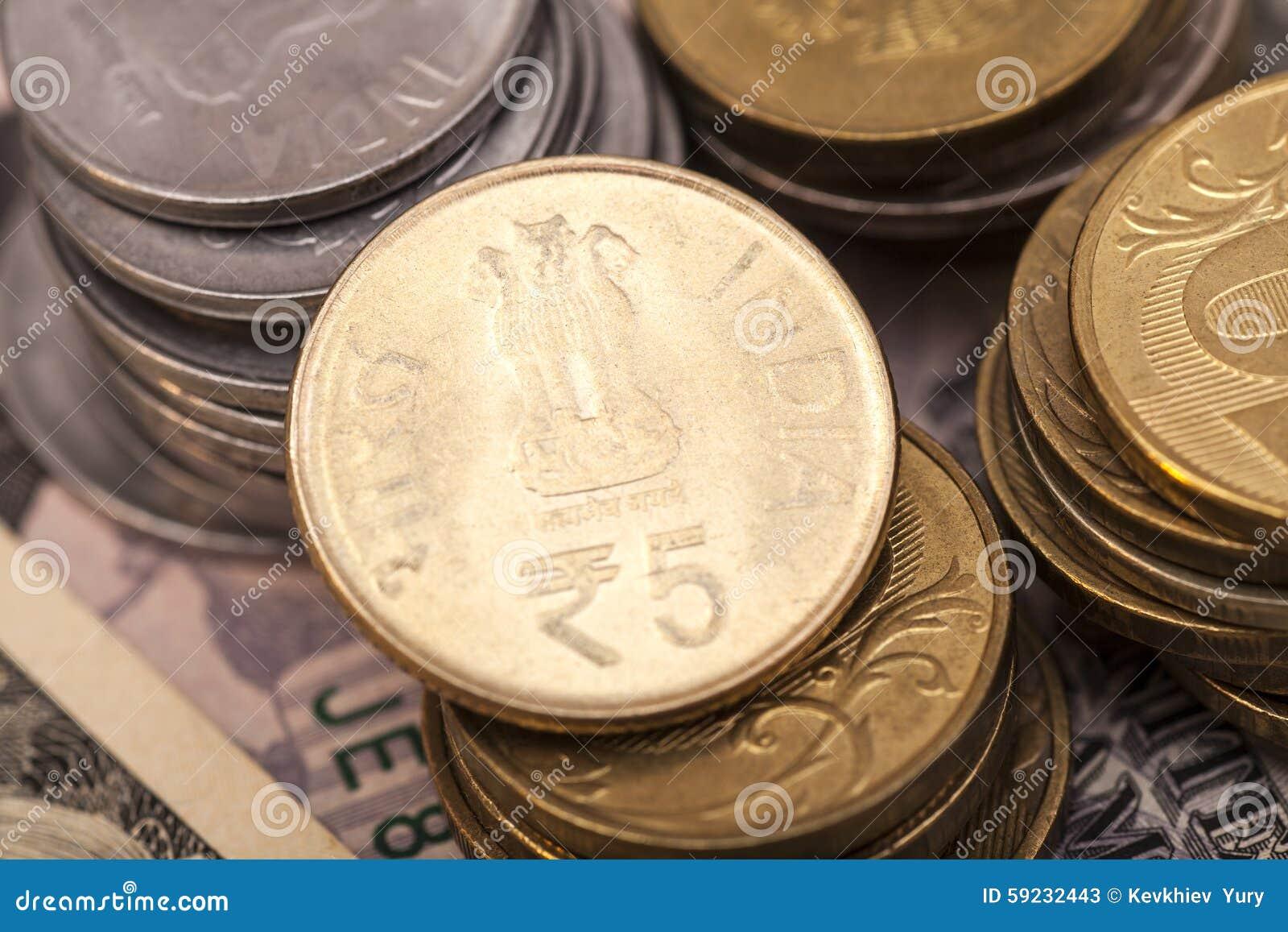 Download Monedas Indias De La Rupia De La Moneda Imagen de archivo - Imagen de metálico, efectivo: 59232443