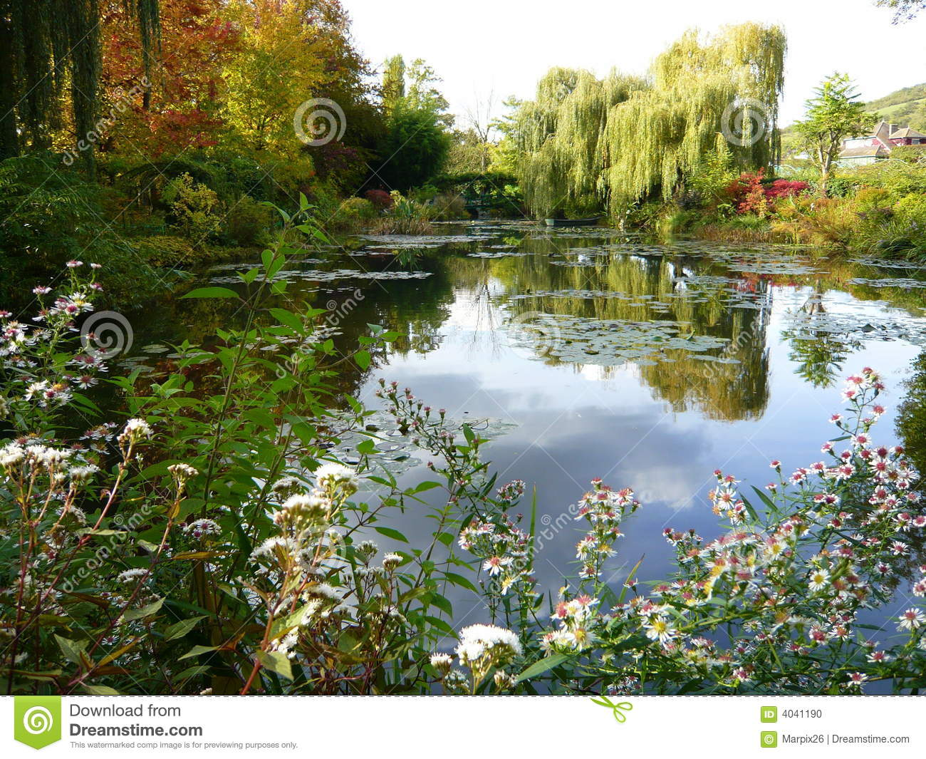 Monet 39 s garden giverny france stock photo image of home pond 4041190 for Monet s garden france