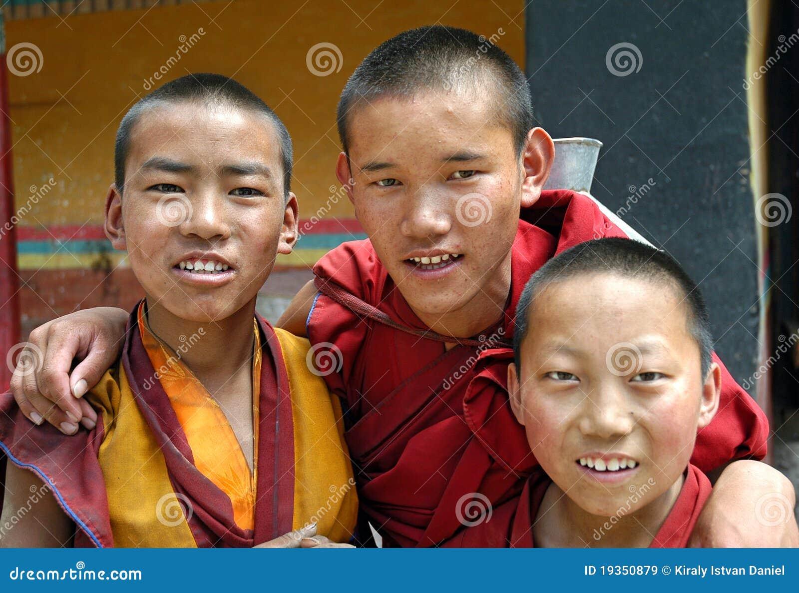 Monges amigáveis em Tibet